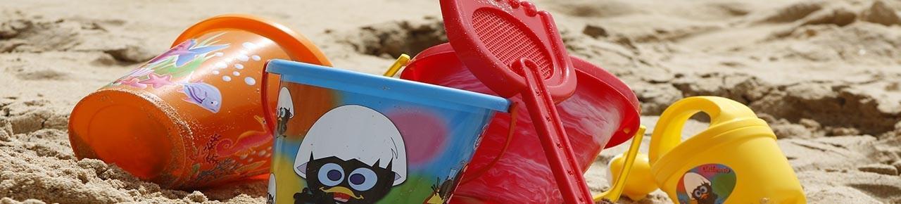 Sandkasten und Gartenspielzeug