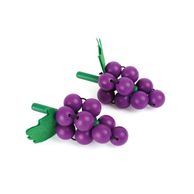Display wine grape from wood